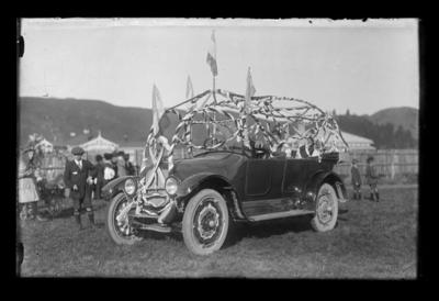 Queen Carnival, Decorated car
