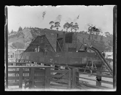 Construction of a boat at Port Nelson