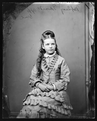 Edwards family, Miss Lucy