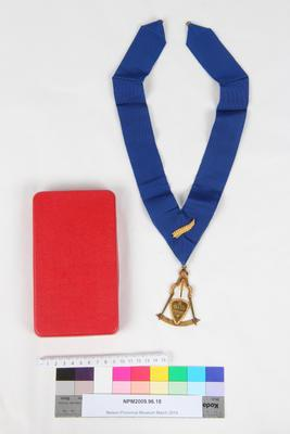 Jewel and Sash, Grand Lodge of Ancient Free and Accepted Masons of New Zealand
