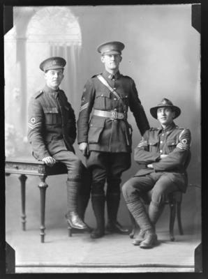 Three soldiers including Major Alfred Reginald Kingsford (1891 - 1987) and Sergeant Major Jack Alan Montgomerie (b.1889);