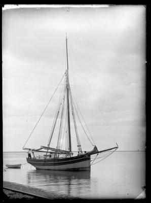 "Rickett, yacht, ""Maid of Italy"""