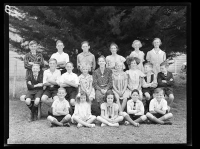Spring Grove School, large group